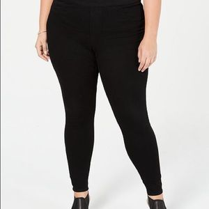 NWT Style & Co plus size pull on Jeans/Jeggings 18